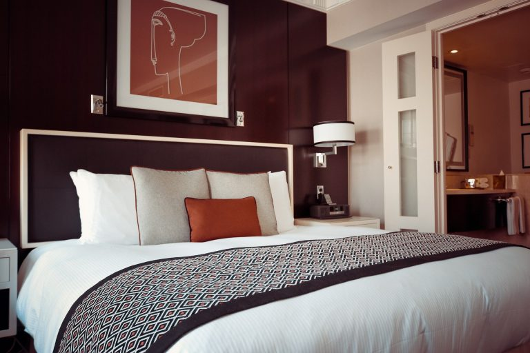 come fotografare le camere del tuo hotel per vendere di più